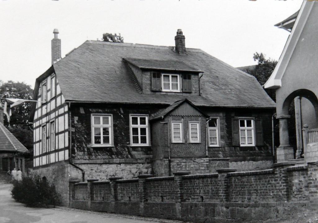 Schul- und Lehrerhaus